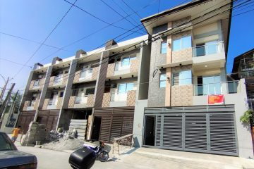 8 Bedroom Townhouse in Tandang Sora, Mindanao Avenue, Quezon City