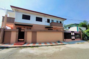 Corner house and lot in Tandang Sora Mindanao Avenue, Quezon City